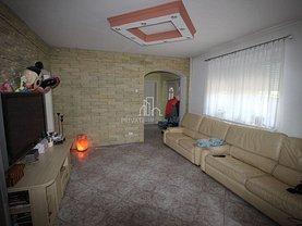 Casa de închiriat 7 camere, în Corunca