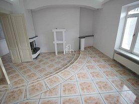 Casa de închiriat 10 camere, în Târgu Mureş, zona Central