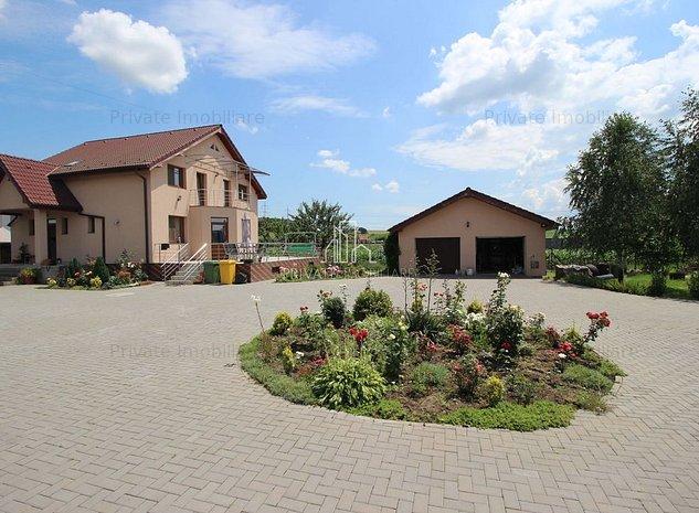 Casa Moderna de Vanzare Cu Teren de 4 012 Mp , Sat Cristesti - imaginea 1