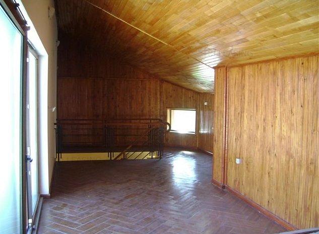 Casa de vânzare 7 camere - imaginea 1