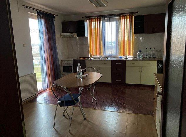 Apartament cu 3 camere superb - imaginea 1
