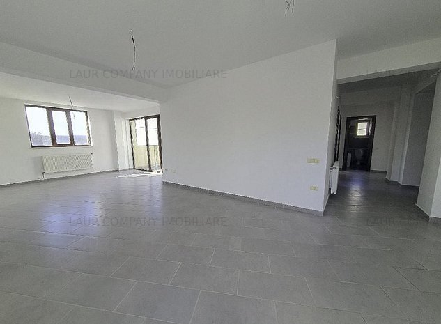Apartament 3 camere Gavana Platou Pitesti - imaginea 1