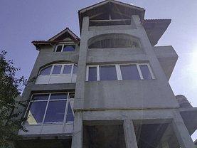 Casa de vânzare 21 camere, în Piteşti, zona Craiovei