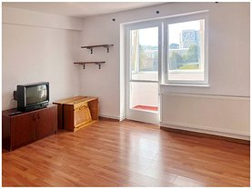 Apartament de închiriat 3 camere, în Braşov, zona 15 Noiembrie