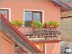 Casa de vânzare 5 camere, în Sacele, zona Central