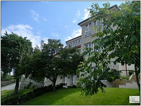 Casa de închiriat 7 camere, în Brasov, zona Central