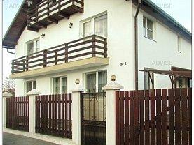 Casa de vânzare sau de închiriat 5 camere, în Cristian