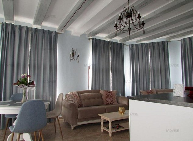 Casa superba utilata mobilata Rasnov, pretabila si pentru doua familii - imaginea 1