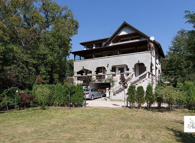 Vila cu Arhitectura Deosebita, Ultracentral - imaginea 1