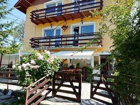 Casa de vânzare 13 camere, în Cheia