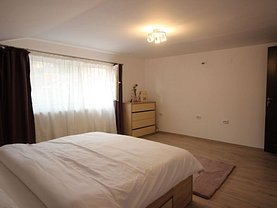 Casa de vânzare sau de închiriat 4 camere, în Braşov, zona Schei