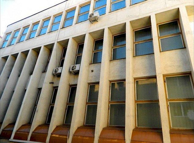 Vanzare - Cladire birouri Str. Avram Iancu - imaginea 1