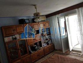 Apartament de vânzare 3 camere, în Craiova, zona Calea Bucureşti