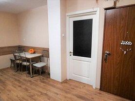 Apartament de vânzare 3 camere, în Oradea, zona Dragoş Vodă