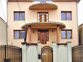 Casa de închiriat 5 camere, în Oradea, zona Iosia