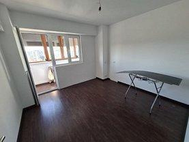 Apartament de vânzare 3 camere, în Bucureşti, zona Panduri