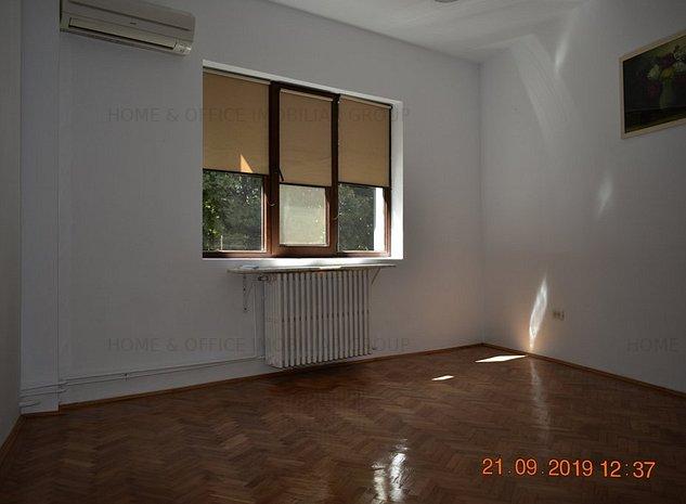 Apartament 4 camere in vila renovata recent pretabil birouri cat si locuinta - imaginea 1