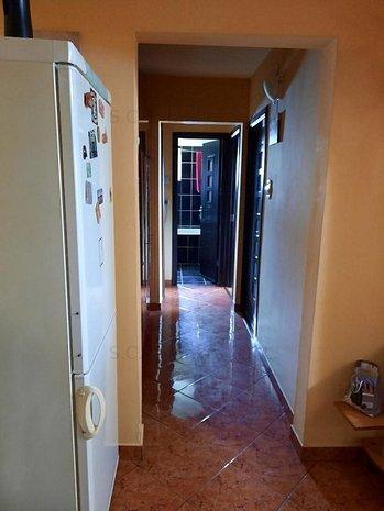 Apartament 3 camere-Malu Rosu - imaginea 1