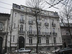 Casa de vânzare sau de închiriat 37 camere, în Bucureşti, zona Pache Protopopescu