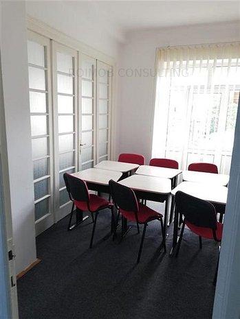 Mosilor, 5 camere, 110 mp. et.1/3, curat, spatios, centrala proprie. - imaginea 1