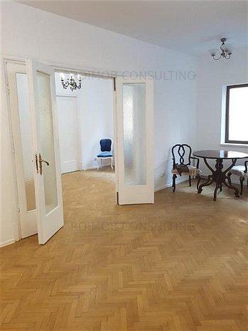 Armeneasca, apartament deosebit, 5 camere, renovat recent, zona buna. - imaginea 1