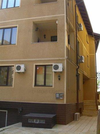 Piata Muncii, vila noua, 17 camere, 525mp, pretabil birouri - imaginea 1