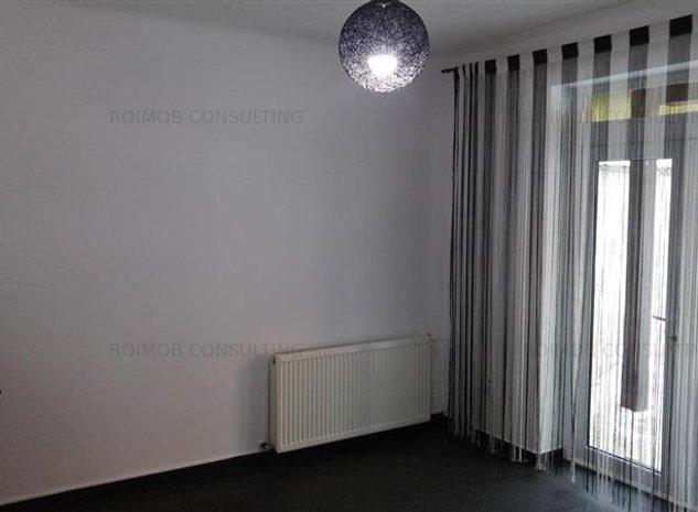 Vatra Luminoasa, vila P+2, 5 camere, renovata - imaginea 1