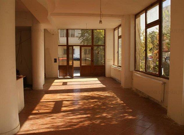 Parcul Circului, vila P+1+M , 368mp utili, birouri - imaginea 1