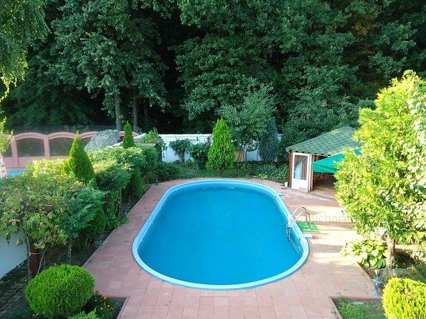 vila cu piscina cu iesire la padure amplasare unica