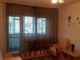 Apartament de închiriat 4 camere, în Bucureşti, zona Pantelimon