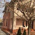 Casa de vânzare 6 camere, în Domneşti, zona Central