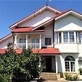 Casa de vânzare 8 camere, în Domneşti, zona Central