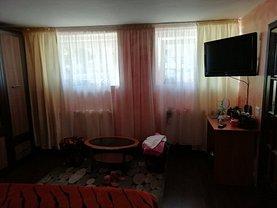 Apartament de închiriat 4 camere în Brasov, Central