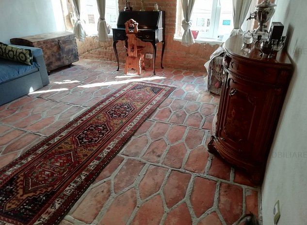 Apartament 3 camere renovat, mobilat si utilat vintage zona Olimpia - imaginea 1