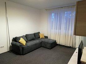 Apartament de închiriat 3 camere, în Braşov, zona Central