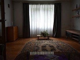 Casa de închiriat 3 camere, în Cristian