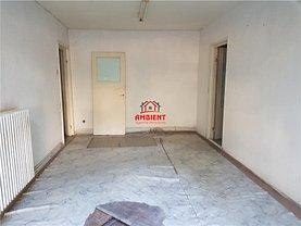 Apartament de vânzare 2 camere în Barlad, Nord