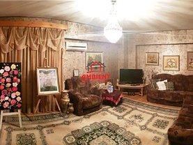 Apartament de vânzare 4 camere în Vaslui, Central