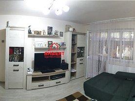 Apartament de vânzare 4 camere, în Vaslui, zona Kogalniceanu