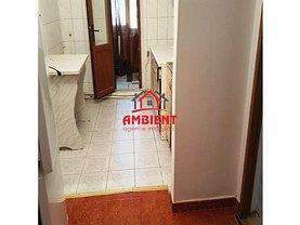 Apartament de închiriat 3 camere în Vaslui, Central