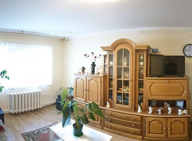 Apartament 2 camere, zona Traian; - imaginea 1