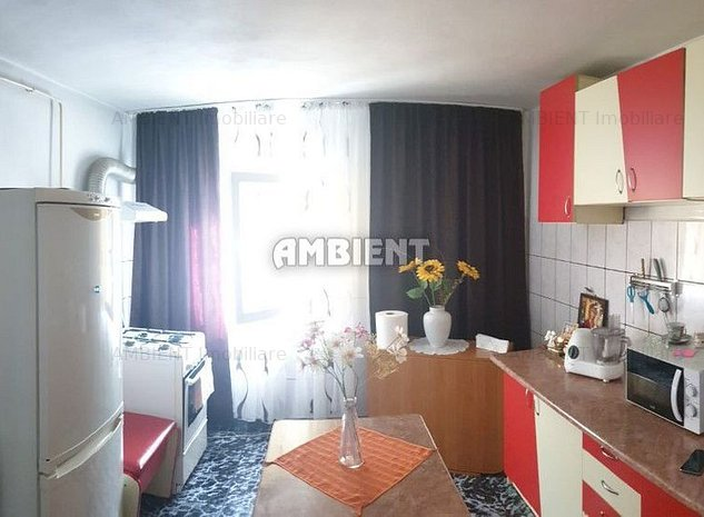 Apartament 4 camere, zona Feroviari; - imaginea 1