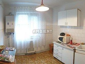 Apartament de vânzare 4 camere, în Vaslui, zona Ultracentral