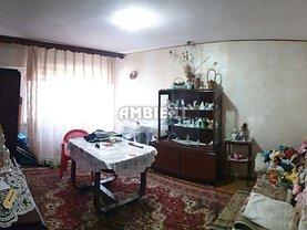 Apartament de vânzare 3 camere, în Vaslui, zona Ultracentral