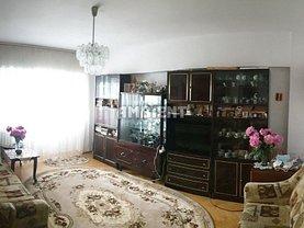 Apartament de vânzare 3 camere, în Vaslui, zona Gară