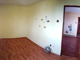 Apartament de vânzare 2 camere, în Husi, zona Periferie