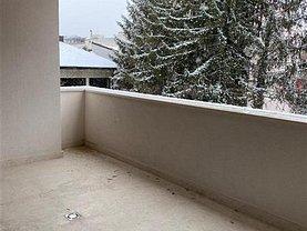 Apartament de vânzare sau de închiriat 4 camere, în Bucureşti, zona Romană