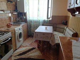 Apartament de vânzare 3 camere, în Braşov, zona Noua