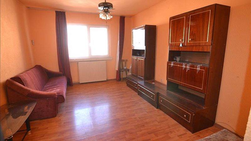 Apartament etajul 3 din 4, Bartolomeu