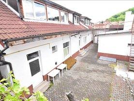 Casa de închiriat 9 camere, în Braşov, zona Central